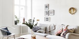 Et hjem med en blød sofa